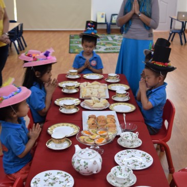 Good table manners, Children!